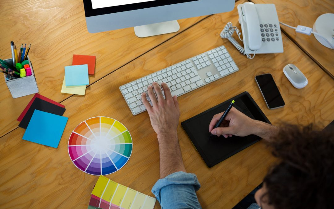 ¡Entre trazos, colores y CREATIVIDAD en el mundo del marketing digital!